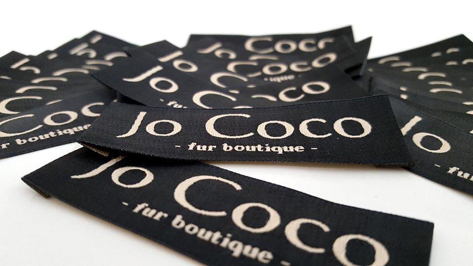 etichete textile cu inscriptie brand